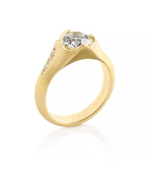 18k Gold Cup Prong Solitaire Engagement Ring